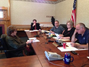 Holly Hoover talks with Pulaski County Commissioners