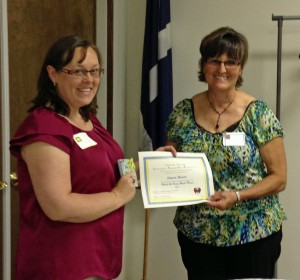 Lenora Hoover of Patchwork Pals received the Behind the Scenes Award.  She is pictured with Rachel Rife of Country Friends.